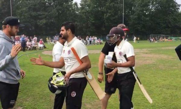 Sparta wint met 6 wickets van Quick